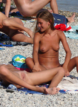 Exciting nude beach hotties